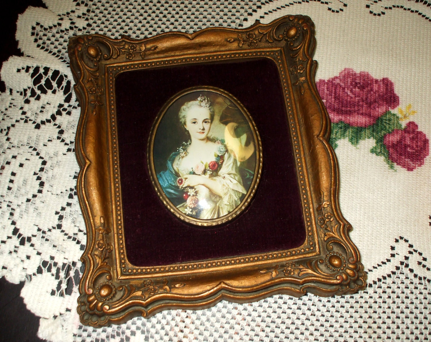 Cameo Creation Picture Plaque Frame Antique Victorian Style