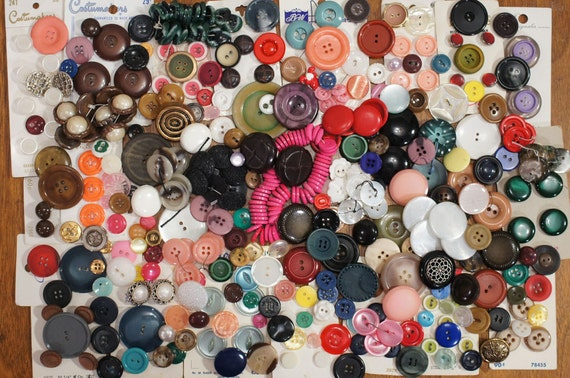 Buttons Loose Vintage Destash Mixed Lot 400 Singles Carded And Sets