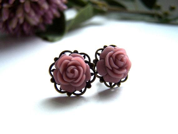 the petite lavender flower earrings.