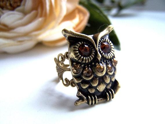 the bronze rhinestone owl ring.