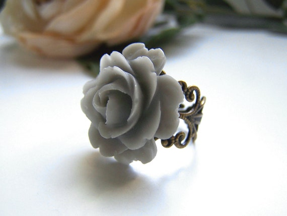Gray Rose Ring