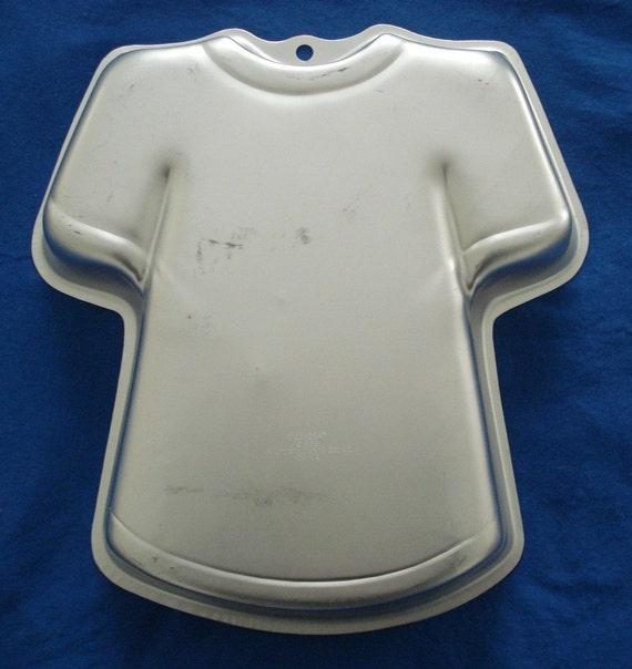 Wilton T Shirt Cake Pan