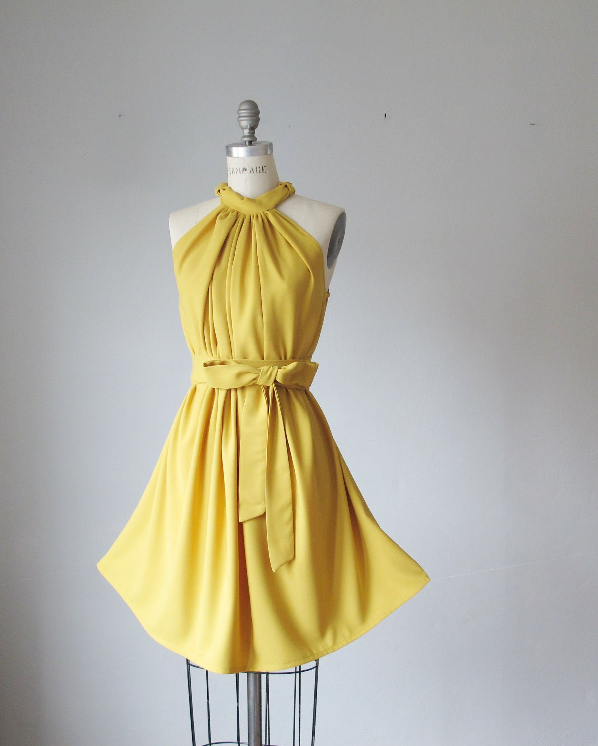 Vintage Yellow Dresses 16