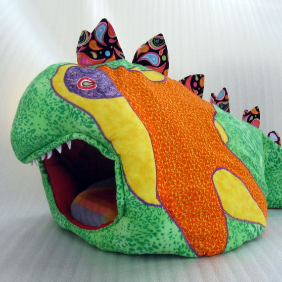 Pet Bed This is not your ordinary  Take a Look  Made just for You small dogs, cats up to 15 lbs