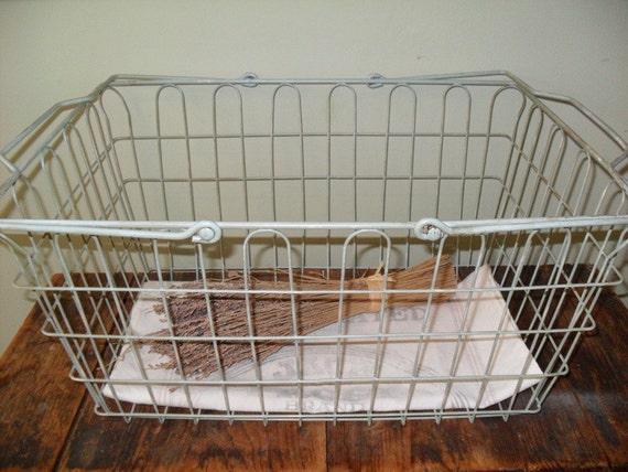 SALE-Vintage Wire Basket