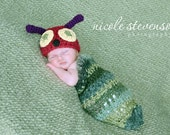 Little Caterpillar crochet Baby Cocoon Pod with Beanie Photo Prop for newborn babies - green and red
