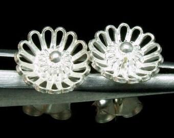 Sil-E-003 Silver fret flower shape sterling silver post stud earrings