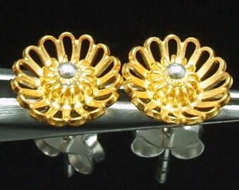 Sil-EG-003 Silver fret flower shape gold vermeil over sterling silver post stud earrings