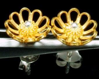 Sil-EG-004 Silver fret flower shape gold vermeil over sterling silver post stud earrings