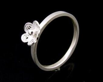 Sil-R-019 Silver fret flower shape sterling silver plain square shank rings