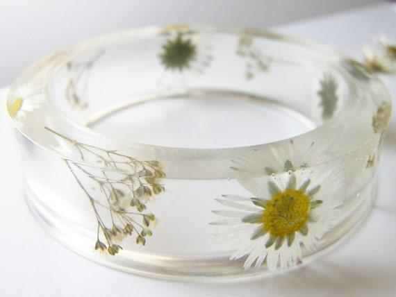 Real Daisy Bangle, Botanical Bracelet, Real Flower Jewelry, Pressed Flower, Nature Resin Bracelet