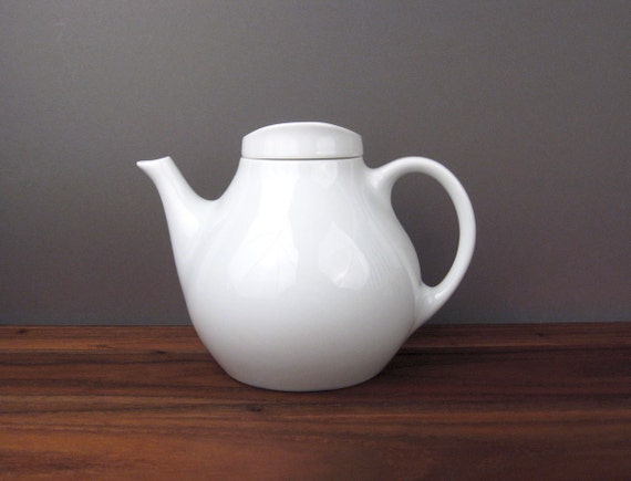 Johann Haviland Teapot by Sigvard Bernadotte / White China Teapot Germany