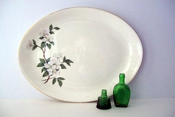 Simple & Sweet Flower Motif Dogwood Platter - Harker China