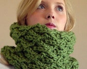 Green Knit Cowl, Chunky Cozy Neck Warmer
