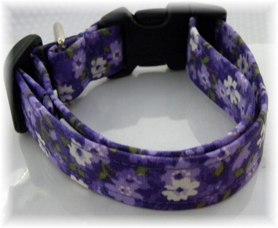 Dog Collar  Noras Flower Garden Purples Whites Greens Floral Flowers Poppies CHOOSE SIZE Adjustable Dogs Collars D Ring Accessories Pet Pets