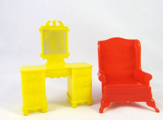 Marx Retro Dollhouse Furniture Red Chair