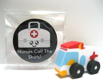 Medical Bag with Happy Face - Nurses Call The Shots - Wood Magnet