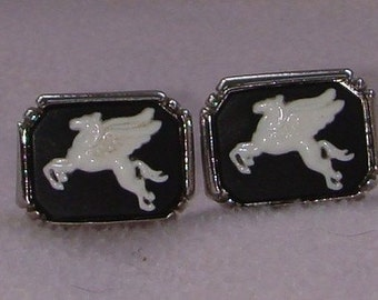 Vintage jewelry cufflinks pegaus silver tone nicely done black white composite cuff links Sale half price