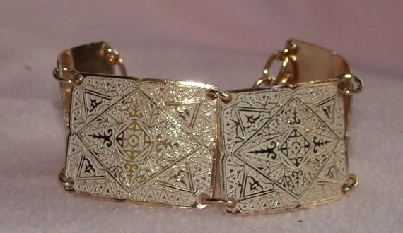 Vintage jewelry bracelet in ALUMINUM vintage bracelet with enamel and copper finish  50s