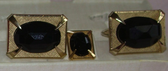 Shields fifth avenue vintage 1966 cuff links and tie tac set in gold tone with facetted black onyx Gay Marriage Jewelry