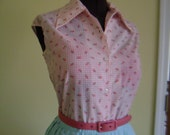 Sexy Vintage 1950s 1960s Pink and White Gingham Plaid Check floral Rose Button Down Sleeveless Blouse
