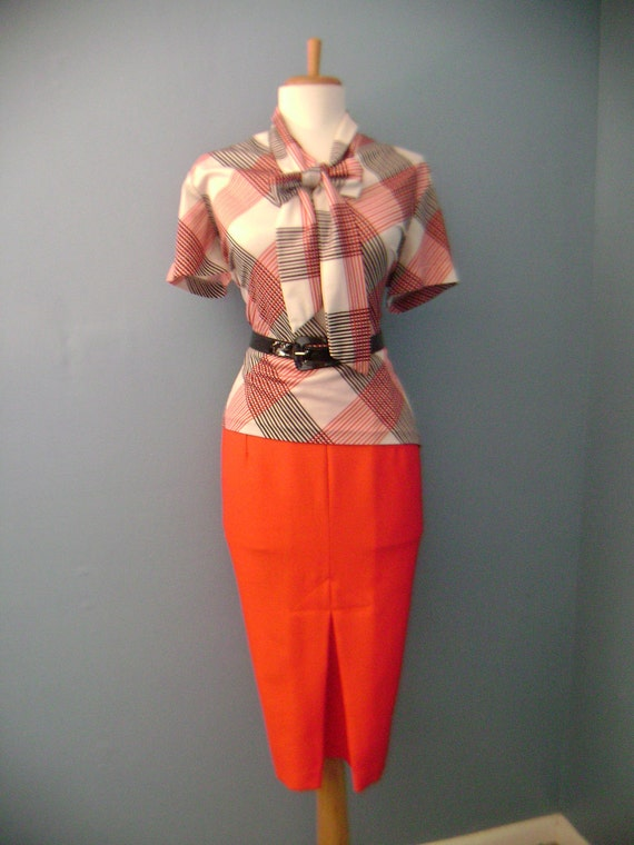VINTAGE 60s 70s 80s Lipstick Red Straight Fitted Pencil Skirt