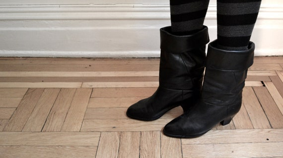 Beautiful Vintage Black Leather Boots, size 6 1/2
