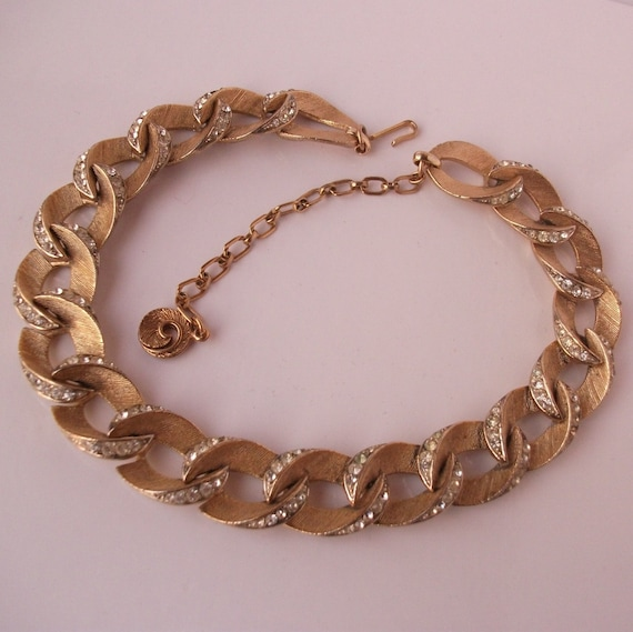 Vintage Lisner pave rhinestone and gold tone link choker necklace