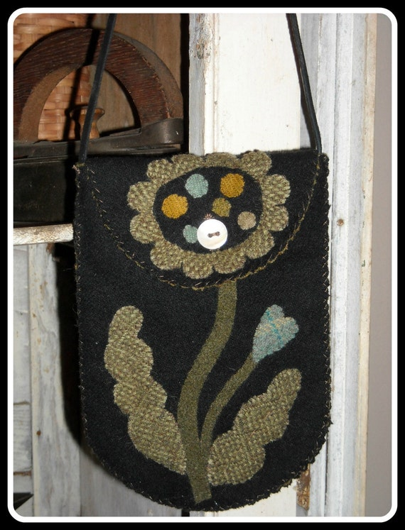Primitive Pocket Posey, Folk Art Wool Bag, Floral Wool Applique, Maggie Bonanomi Design - FREE US SHIPPING