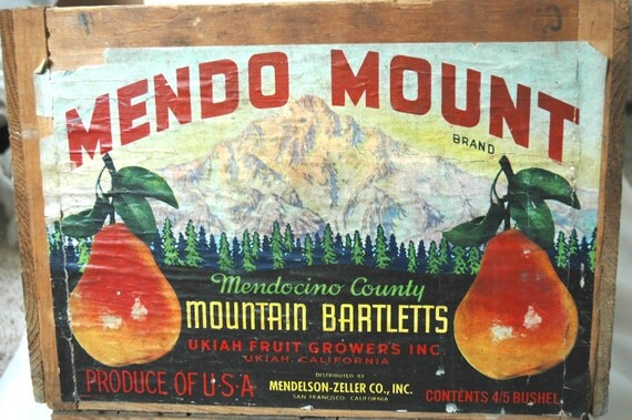 Vintage wooden fruit crate with original label Mendo Mount bartlett pears