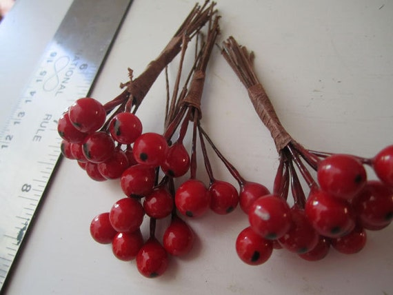 Decorative Berries Red Holly Berry Wired Floral Picks Destash