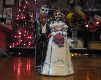 skeleton bride & groom cake topper/statue