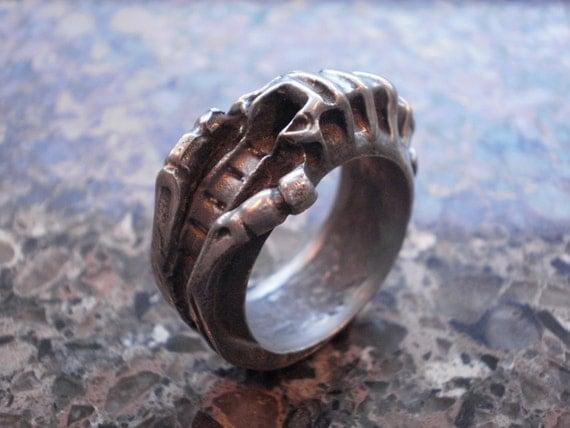 Alien Larvae Ring