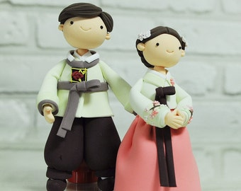 Korean Hanbok custom wedding cake topper Decoration Gift - cute couple in Hanbok