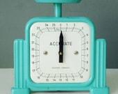 Retro Turquoise Metal Kitchen Scale, 25 Pound Kitchen Scale, Vintage Scale, Kitchen Scale