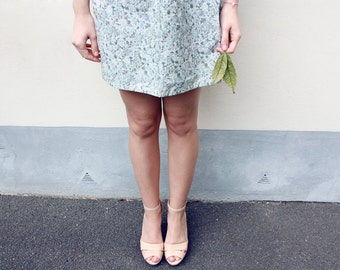 the Lula -skirt (vintage blue grey green floral cotton print mini skirt with elastic waist UK 6-10)