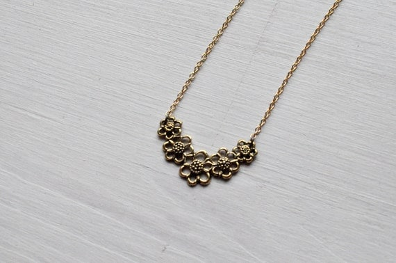 daisy chain -necklace (bronze daisy chain gold plated charm and vintage gold plated chain)