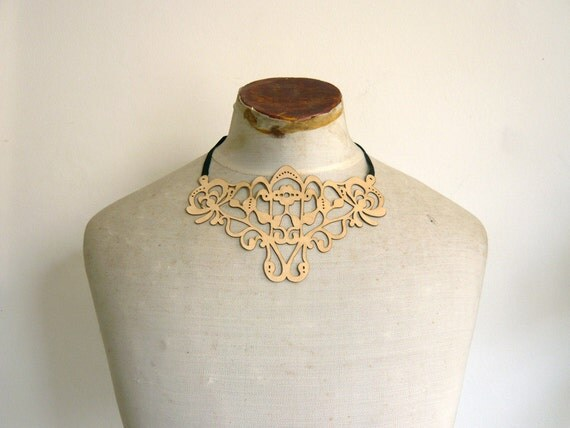 Leather lace necklace - cream