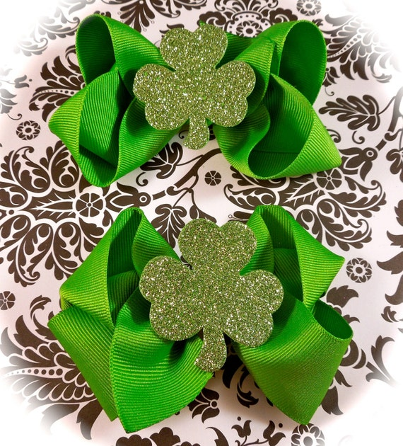 Two St. Patricks Day bows 4 inches each perfect for piggy tails