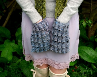 moss and bluebell (pocket scarf) KNITTING PATTERN