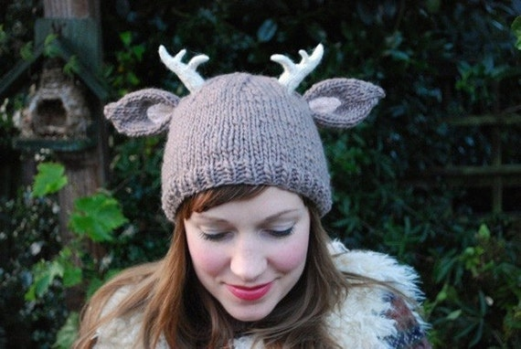 Knitting Patterns For Winter Hats : deer with little antlers hat KNITTING PATTERN