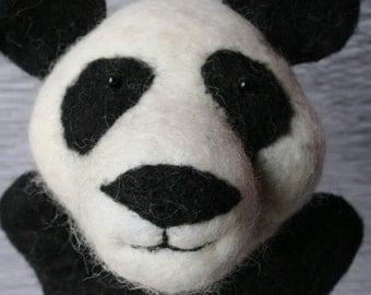 Neelde Fetled Wool Panda Puppet
