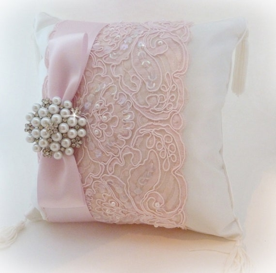 Pink and ivory ring pillow with vintage inspired pearl and - Diseno de cojines ...