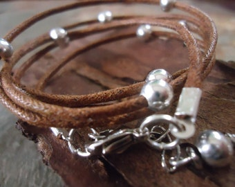 GLITTER ROAD brown wrap bracelet with silver beads 295