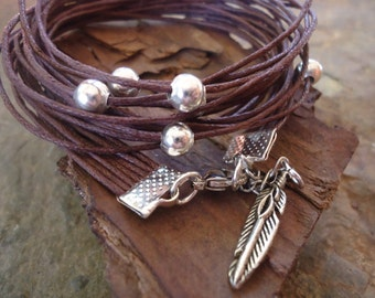 PEARLY in DARK BROWN  wrap bracelet with silber beads and feather (76)