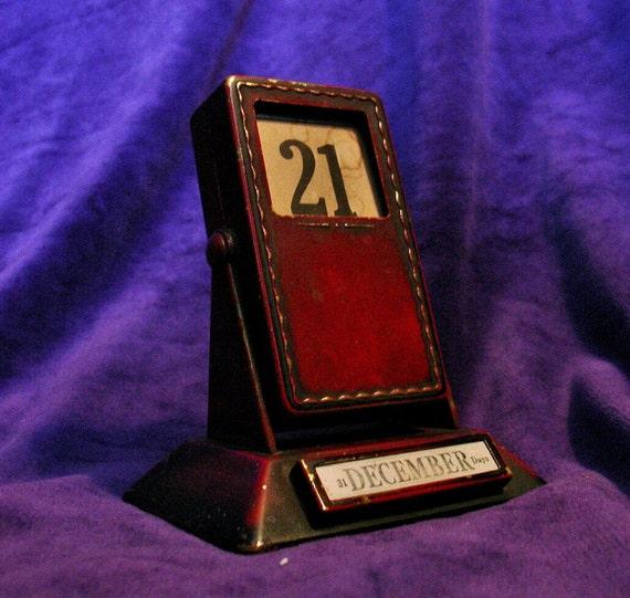 Vintage Art Deco Red Metal Brass December Desk Calendar
