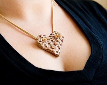 Golden lace heart necklace