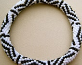 Bead Crochet Pattern:  Black and White Zig Zag and Circles