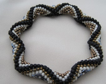 Bead Crochet Bangle Pattern:  Recessed Diamonds to the 2nd Power Bead Crochet Pattern