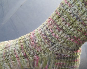 Knit Sock Pattern: Easy Eyelet Knitting Sock Pattern